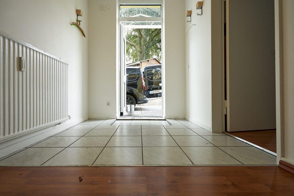 Vorher Ansicht: wir sind in der Lage, auf beinahe jedem Untergrund unseren Steinteppich aufzubringen, dauerhaft und pflegeleicht.